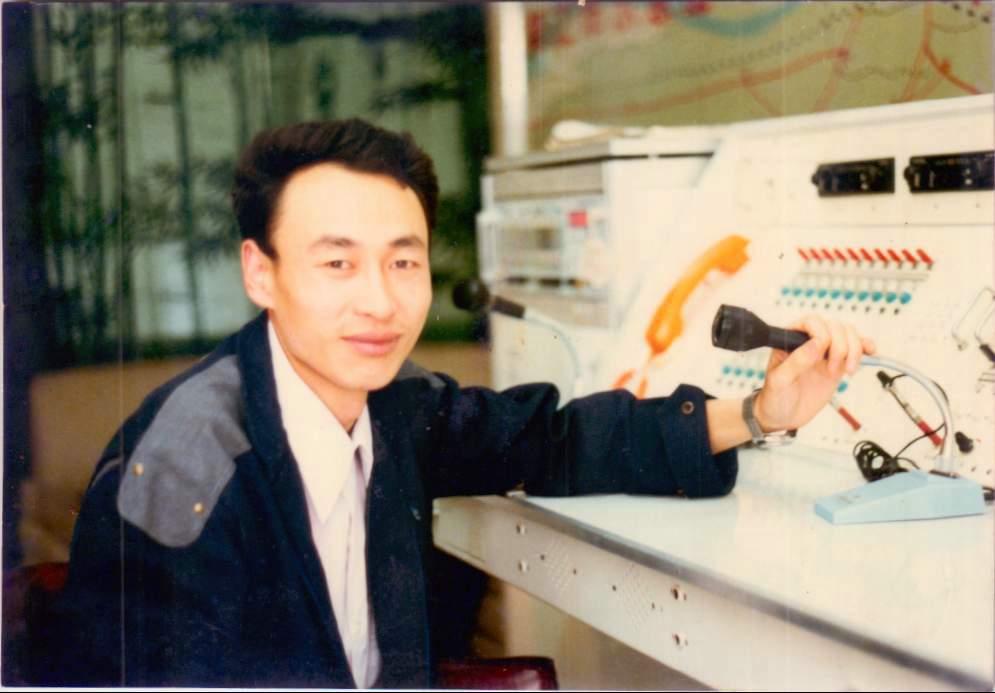 1989年5月,镇江市110报警服务台初创时的程善刚.jpg