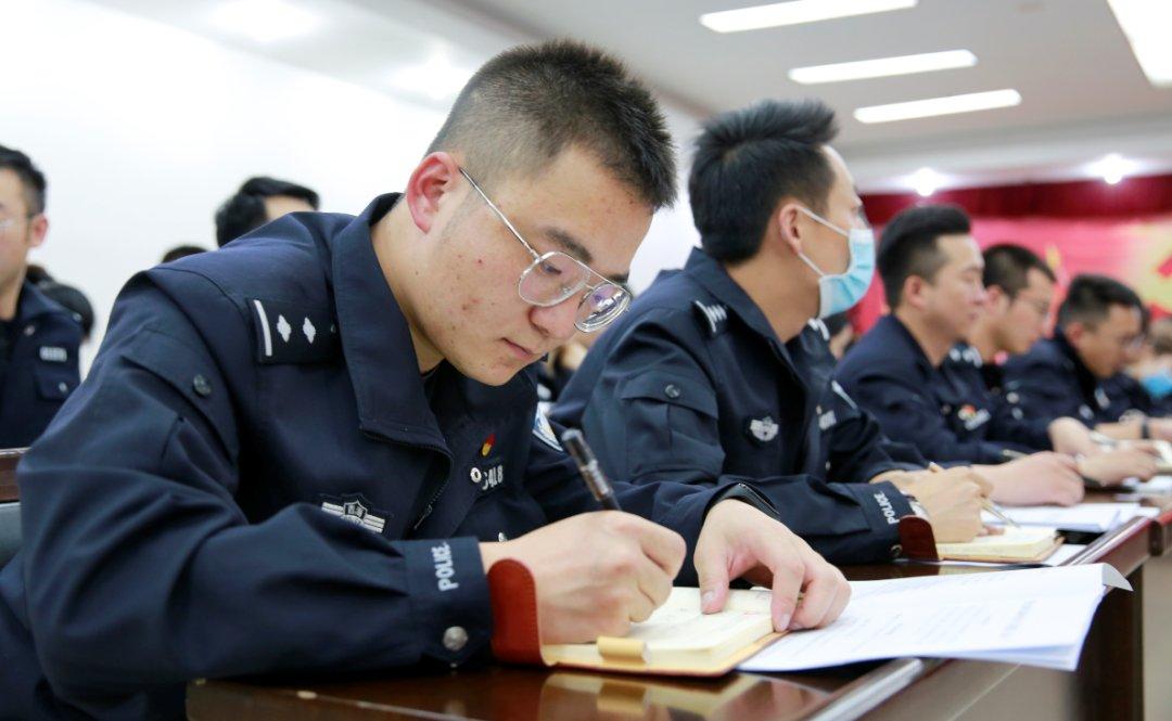 西宁市公安局组织开展新闻宣传工作培训