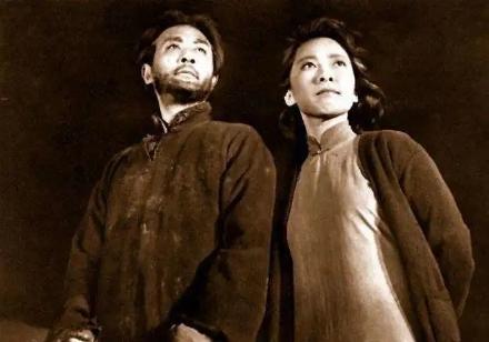 时代缩影:银幕上的优秀共产党员艺术形象