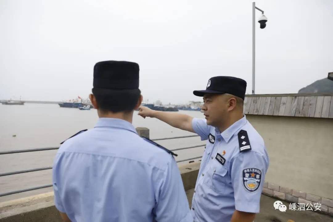 """警民情系沙滩口 携手共建新时代海岛""""枫""""景线"""