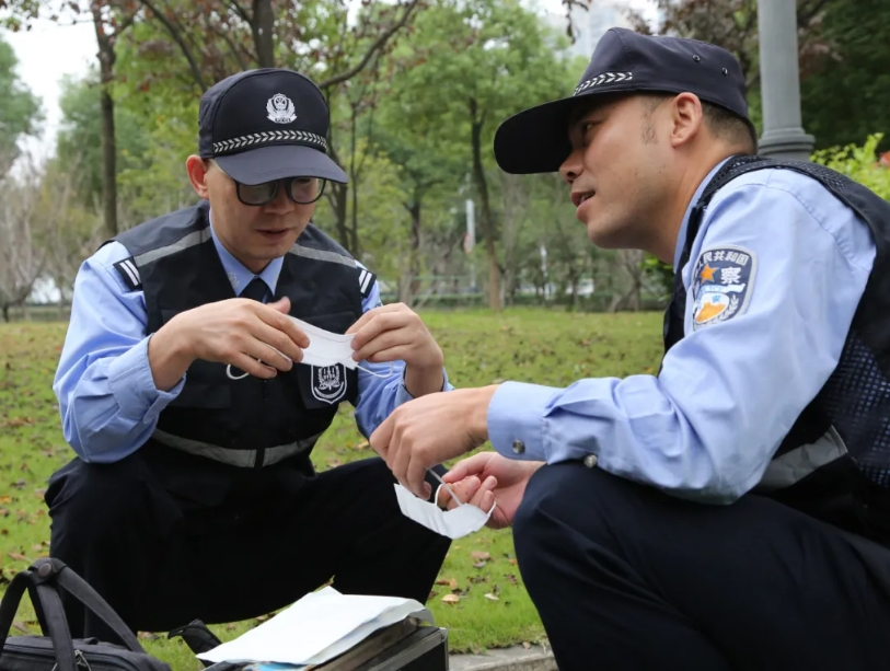 警察的老师和警察的学生
